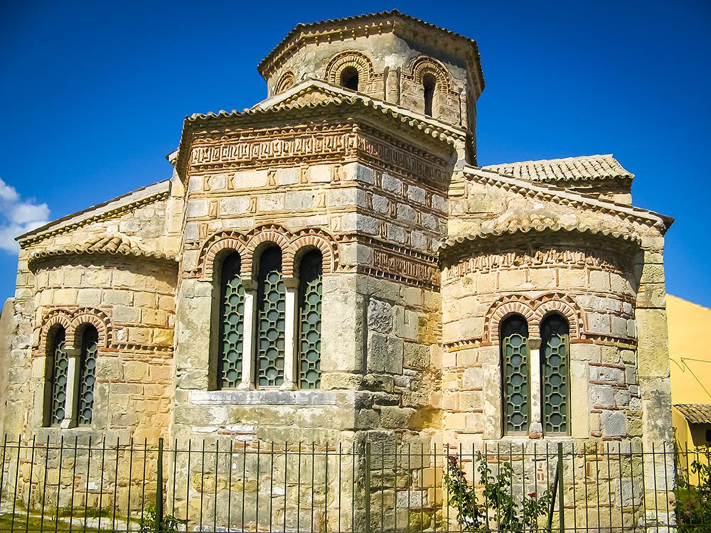Εκκλησία των Αγίων Αποστόλων ΙΑΣΟΝΟΣ ΚΑΙ ΣΩΣΙΠΑΤΡΟΥ 2 – Κέρκυρα | corfugreece.gr